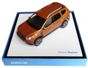 Dacia Duster II - model samochodu w skali 1:43 - Orange Atacama